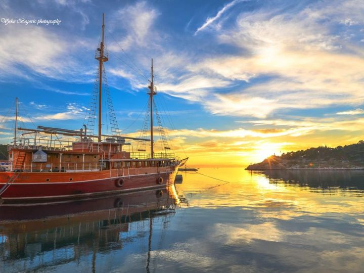 Izlet brodom Calypso - Makarska - Jelsa Hvar - Bol Brač