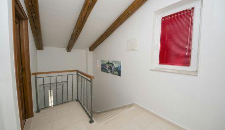BeachFront apartment Ljubica IX
