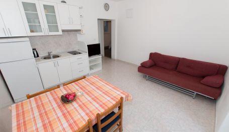 Beachfront apartment Vilma I