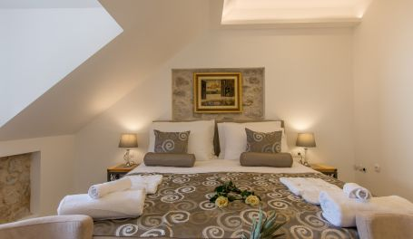 Luxury Rooms Palace B&B III