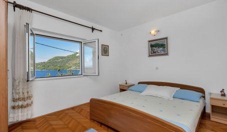 Seaview apartment Maria III